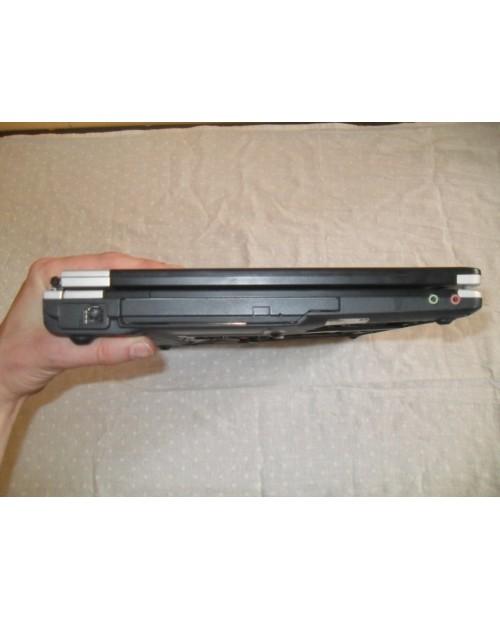 Laptop Fujitsu-Siemens Amilo Pro V3515 niesprawny